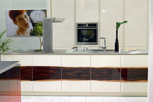 livingkitchen-2011-9-glass-cabinets