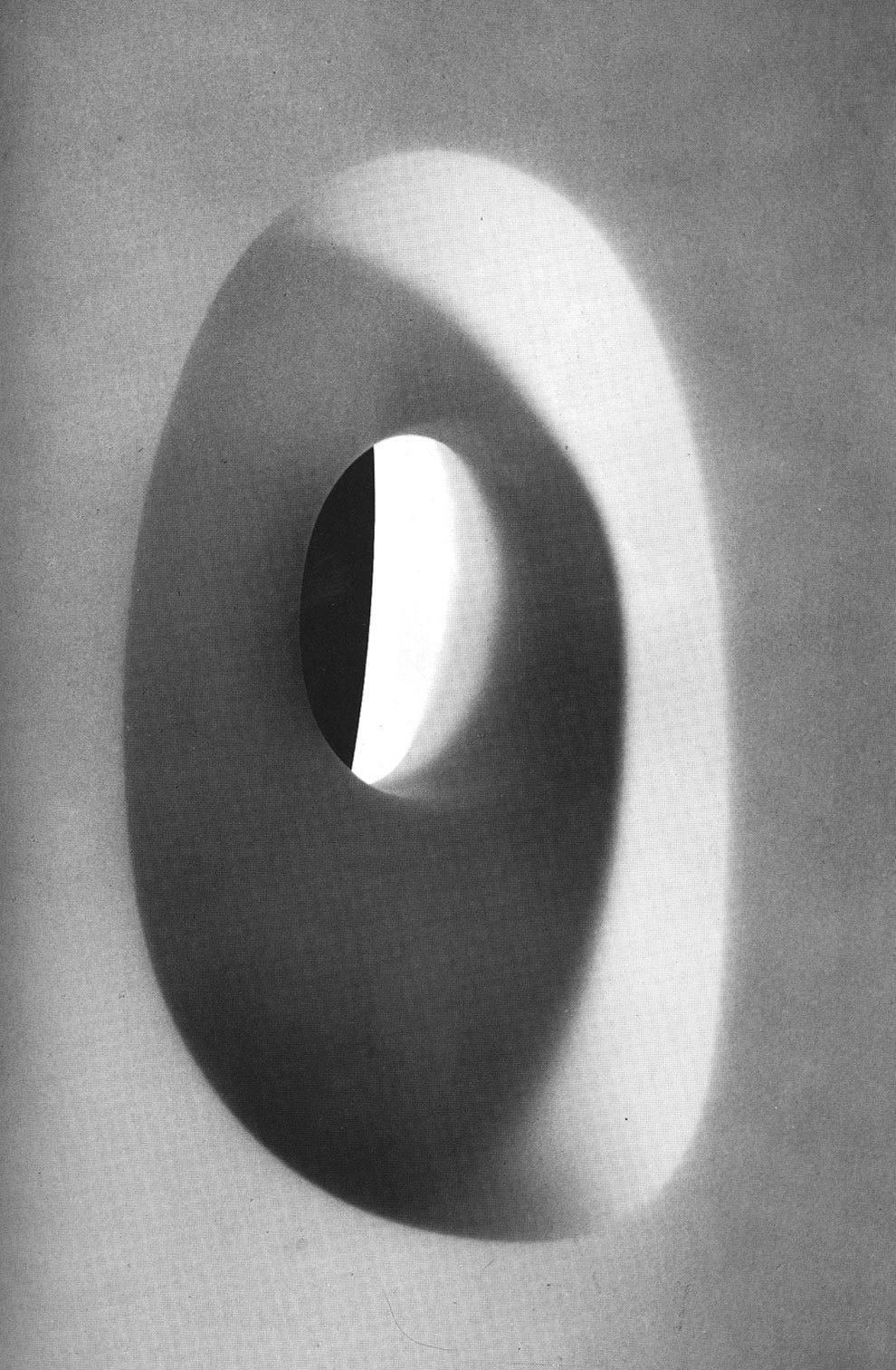 barbara hepworth, mid-century sculpture