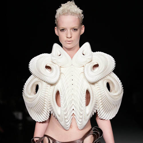 Cutting Edge Fashion by Daniel Widrig and Iris van Herpen