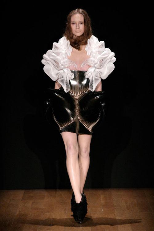 Cutting Edge Fashion by Daniel Widrig and Iris van Herpen in style fashion main art  Category