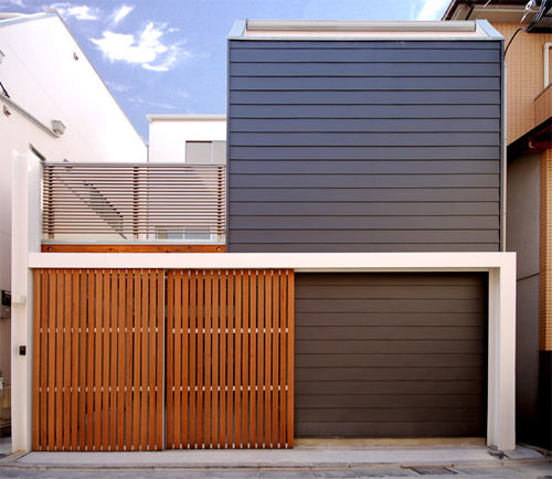 House D in Japan by Takeshi Hamada