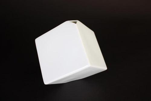 spin-ceramics-cube-vase