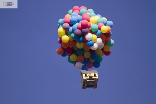 nat-geo-balloon-house-up-1