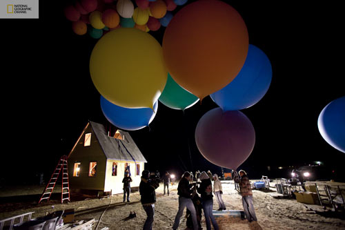 nat-geo-balloon-house-up-12