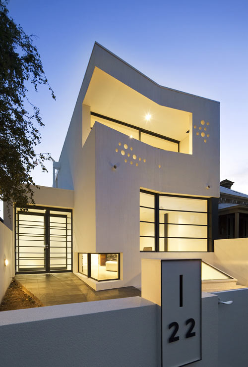 Prahran House by Nervegna Reed Architecture and ph Architects