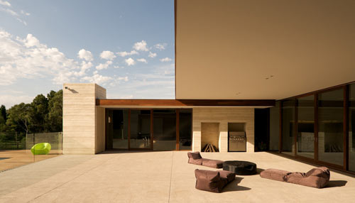 Decontra Residence by Fitt De Felice in main architecture  Category
