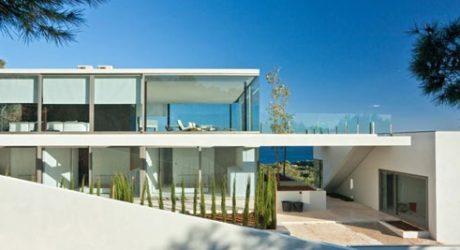Villa in Ibiza by Bruno Erpicum & Partners