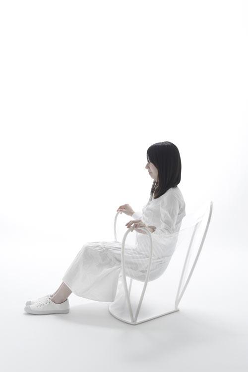 transparent-chair-4