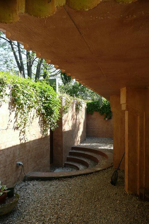 wells-underground-house-5
