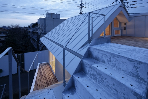 Skim Milk: Shakujii Y House by Ikeda Yukie Architects