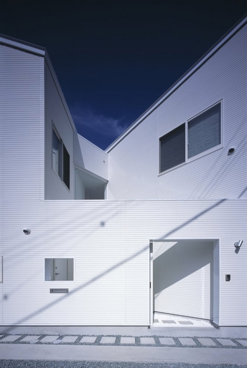 Skim Milk: House O by Chikara Ohno