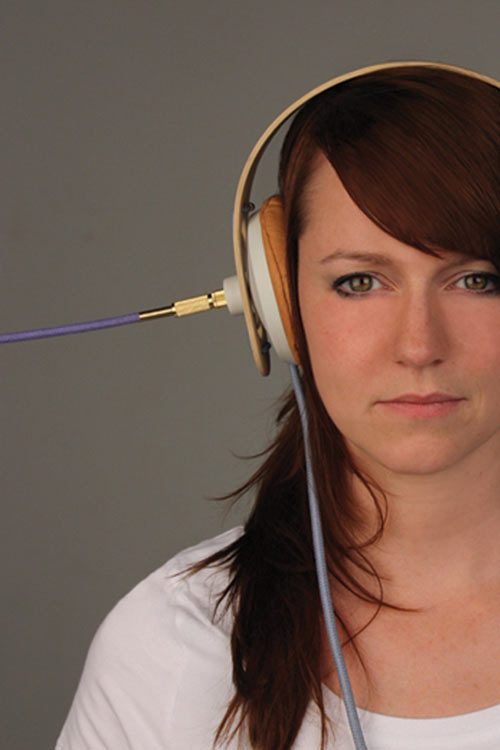 Plug it in! Headphones by Dorien van Heijst