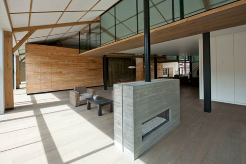 Tex-Tonic House by Paul McAneary Architects