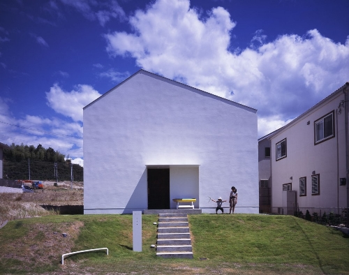 House in Hatsugano by Horibe Naoko Architect Office