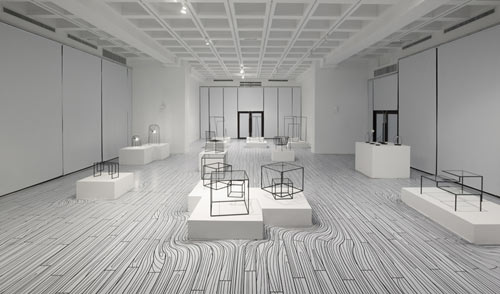 nendo-exhibition-black-white-1