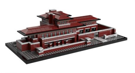 "Frank Lloyd Wright's Robie House Gets ""Rebuilt"" in LEGOs"