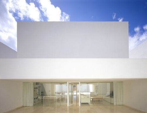 Skim Milk: VDVT House by Atelier Boetzkes