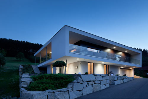 House in Pregarten by Architekturwerkstatt Haderer