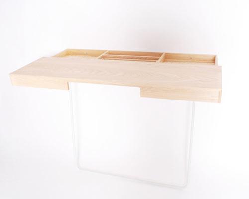 shifty-desk-2