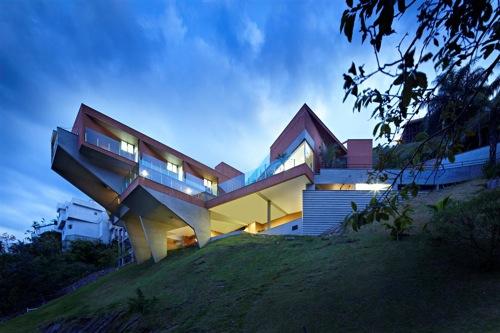Vila Castela by Anastasia Arquitetos