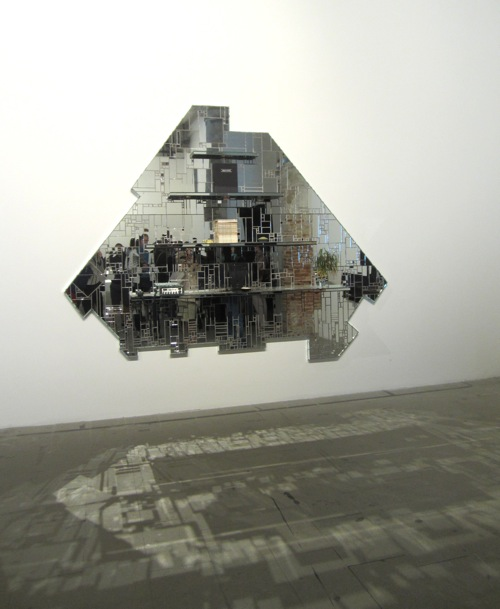Biennale-mirror