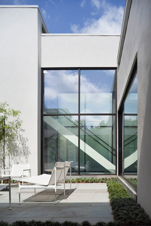 Jigsaw residence by david jameson architect design milk - The edgemoor residence by david jameson architect ...