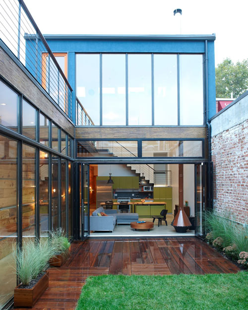 Atrium house by mesh architectures design milk for Residential atrium
