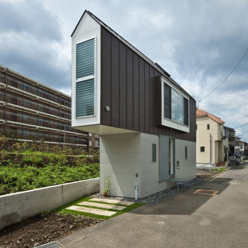 River Side House in Horinouchi by Mizuishi Architect Atelier