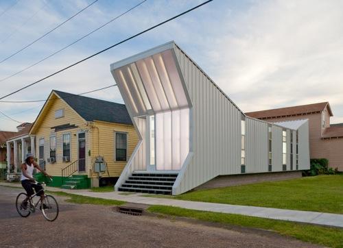 Alligator House by BuildingStudio