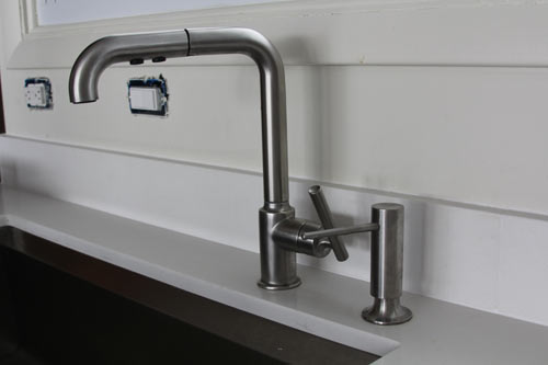 house-milk-sink-and-faucet-1
