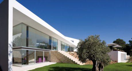 Villa Ixos Ibiza by Bruno Erpicum