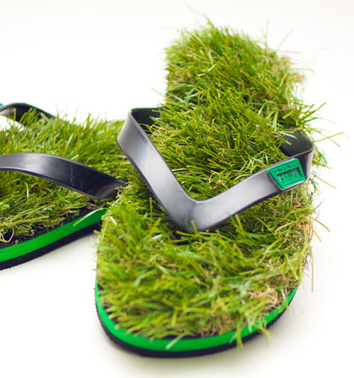 01fb7ba0f725 Grass Flip Flops - Design Milk