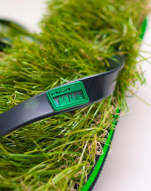 grass-flip-flops-4