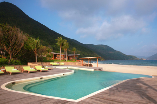 six-senses-Main-Pool