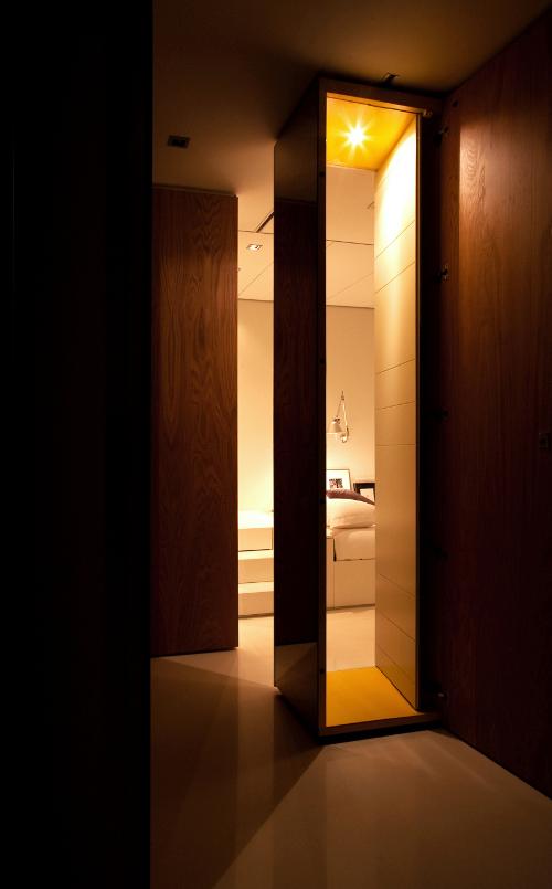 Closet House 16