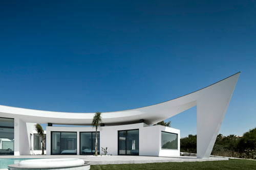 Casa Colunata by Mário Martins Atelier in architecture  Category