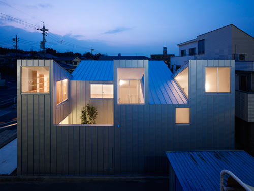 Complex House by Tomohiro Hata Architects