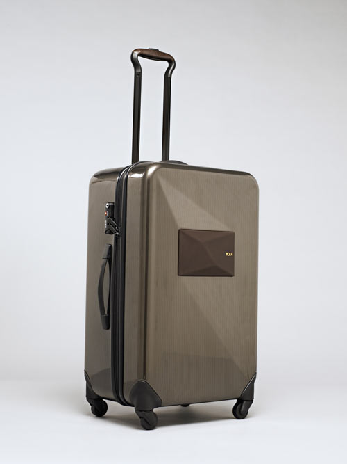 dror-for-tumi-suitcase-1