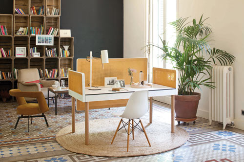 Tray Table by Pedro Feduchi