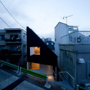 House in Shirogane by Okuna Architects