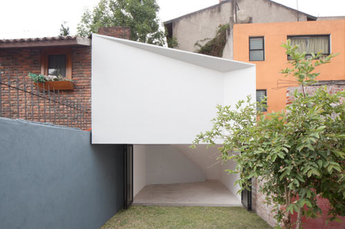 Mini Studio by FRENTEarquitectura in main architecture  Category