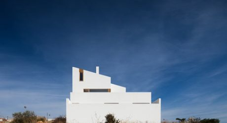House in Mexilhoeira-Grande by Marco Arraiolos