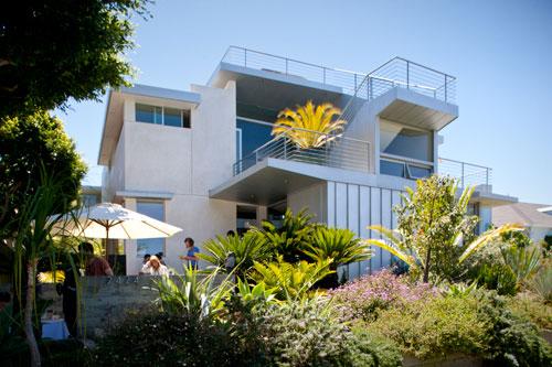 Dwell on Design Exclusive House Tour: Kahn Residence