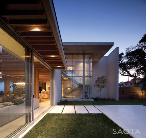 La Lucia House by SAOTA and Antoni Associates