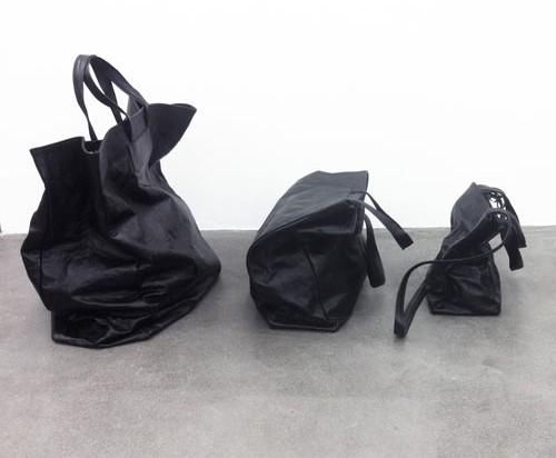 serien°umerica: Leather Accessories