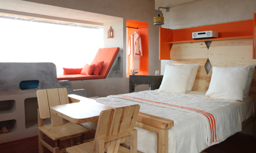 destination-Dar-HI-orange-room