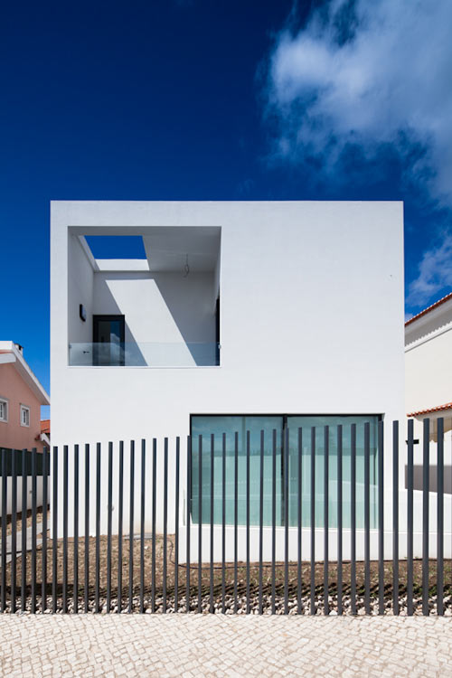 DJ House by [i]da Arquitectos
