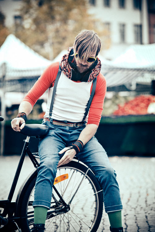 Hövding: The Invisible Bicycle Helmet in technology style fashion main  Category