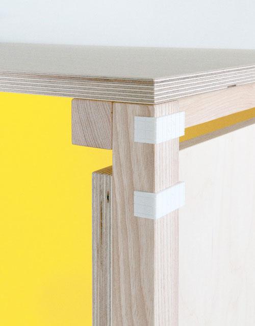 Minale-Maeda_Inside-Out-4-Desk