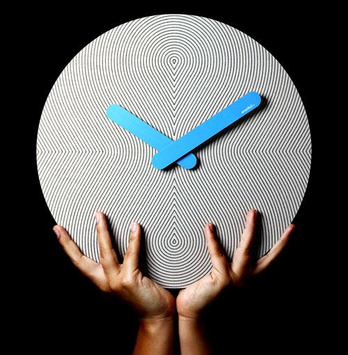 Op Art Style Cardboard Pensamientos Clock by 2y1dea